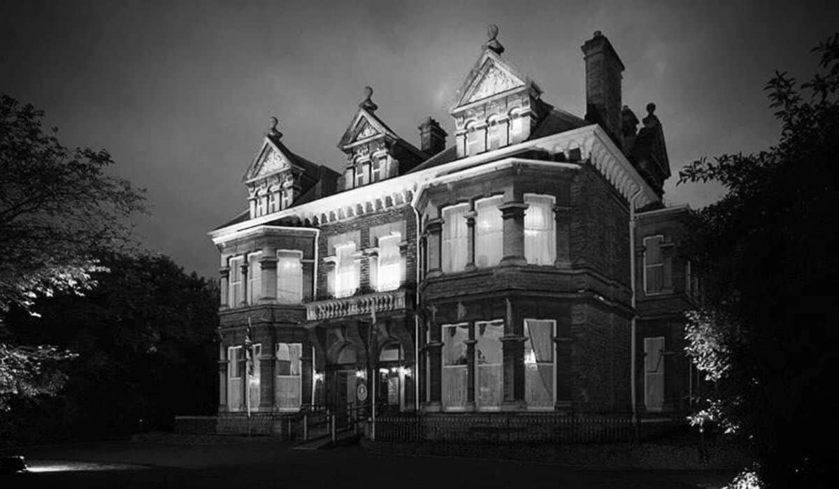 Cardiff Mansion Cardiff Halloween